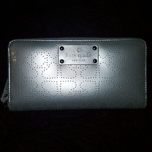 Kate Spade Silver Gray Wallet NEW